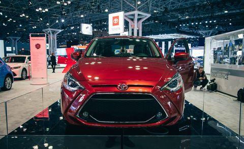 Land vehicle, Vehicle, Car, Motor vehicle, Auto show, Automotive design, Mid-size car, Hatchback, Hyundai, Hyundai veloster,