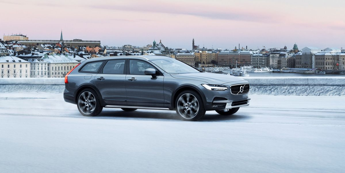 2020 Volvo V90 Cross Country Review