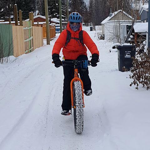 Canadian teen fat bikes to school through the Yukon winter