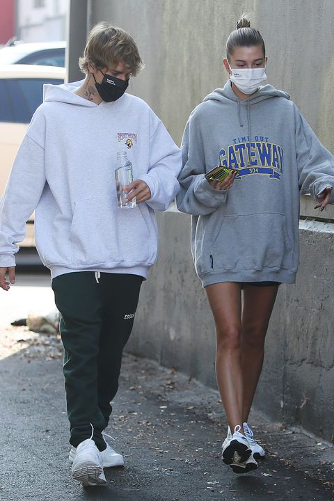 los angeles, ca   september 23 justin bieber and hailey bieber are seen out for lunch on september 23, 2020 in los angeles, california photo by crownmediamegagc images