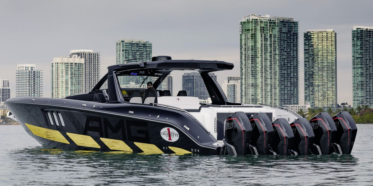 AMG Reveals Its New Six-Engine, 2700-HP Cigarette Boat