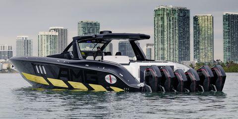 Water transportation, Vehicle, Boat, Speedboat, Transport, Boating, Mode of transport, Recreation, Watercraft, City,