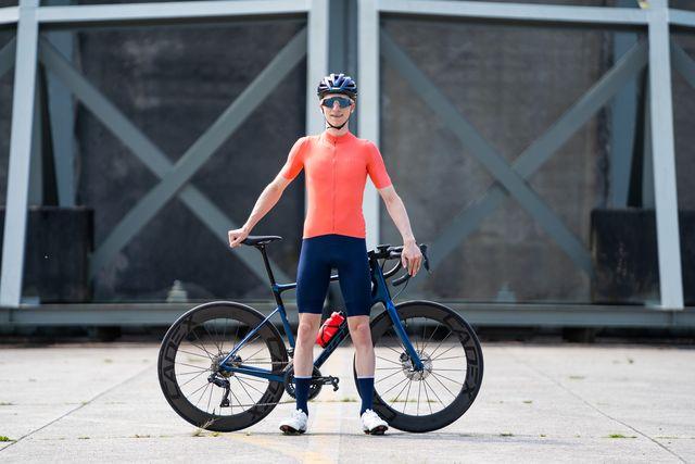 le col hors categorie fietsshirt en fietsbroek