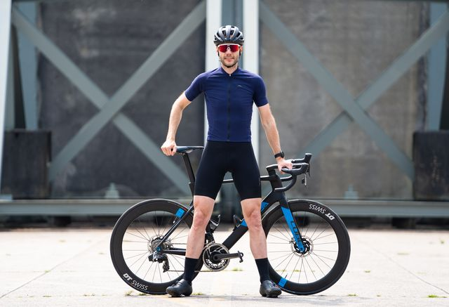 megmeister wielershirt en fietsbroek
