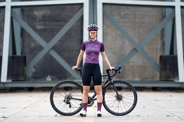santini delta pietra fietsshirt en legend c3w fietsbroek