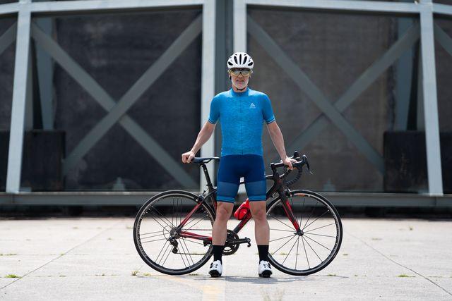 odlo zeroweight ceramicool pro fietsshirt en wielerbroek
