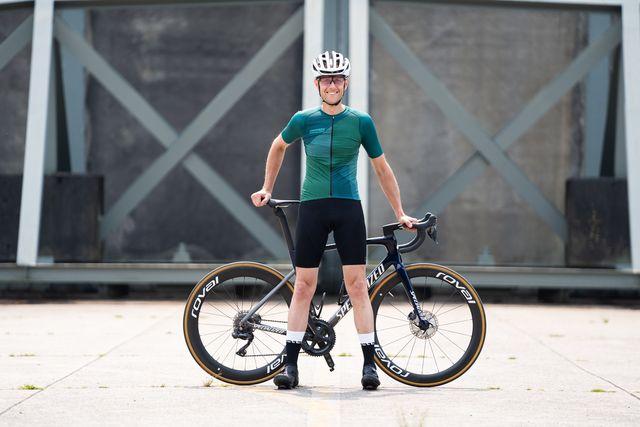 bioracer spitfire wielershirt en epic fietsbroek