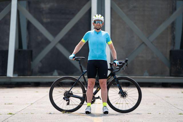 bontrager velocis endurance fietsshirt en velocis fietsbroek