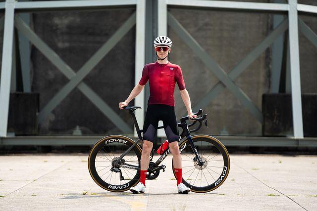sportful rocket fietsshirt en ltd shield fietsbroek