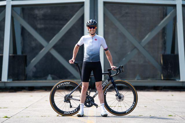castelli aero race 6  wielershirt en premio black fietsbroek