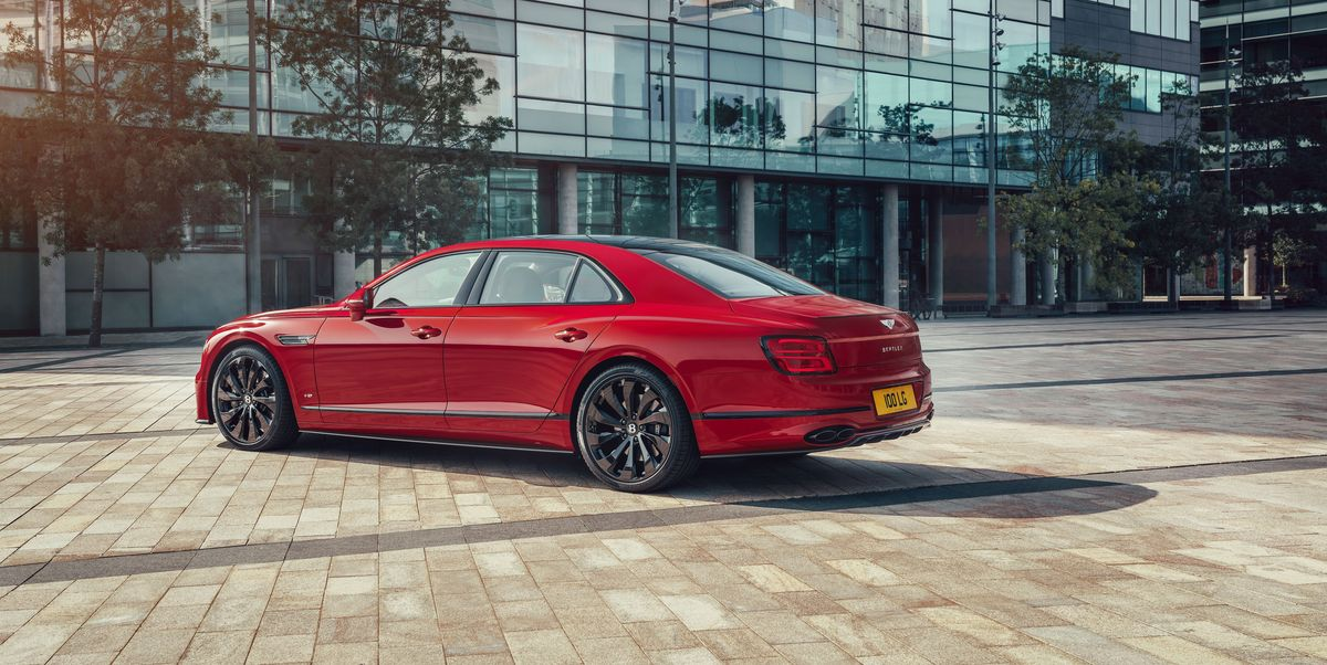 View Photos of the 2021 Bentley Flying Spur