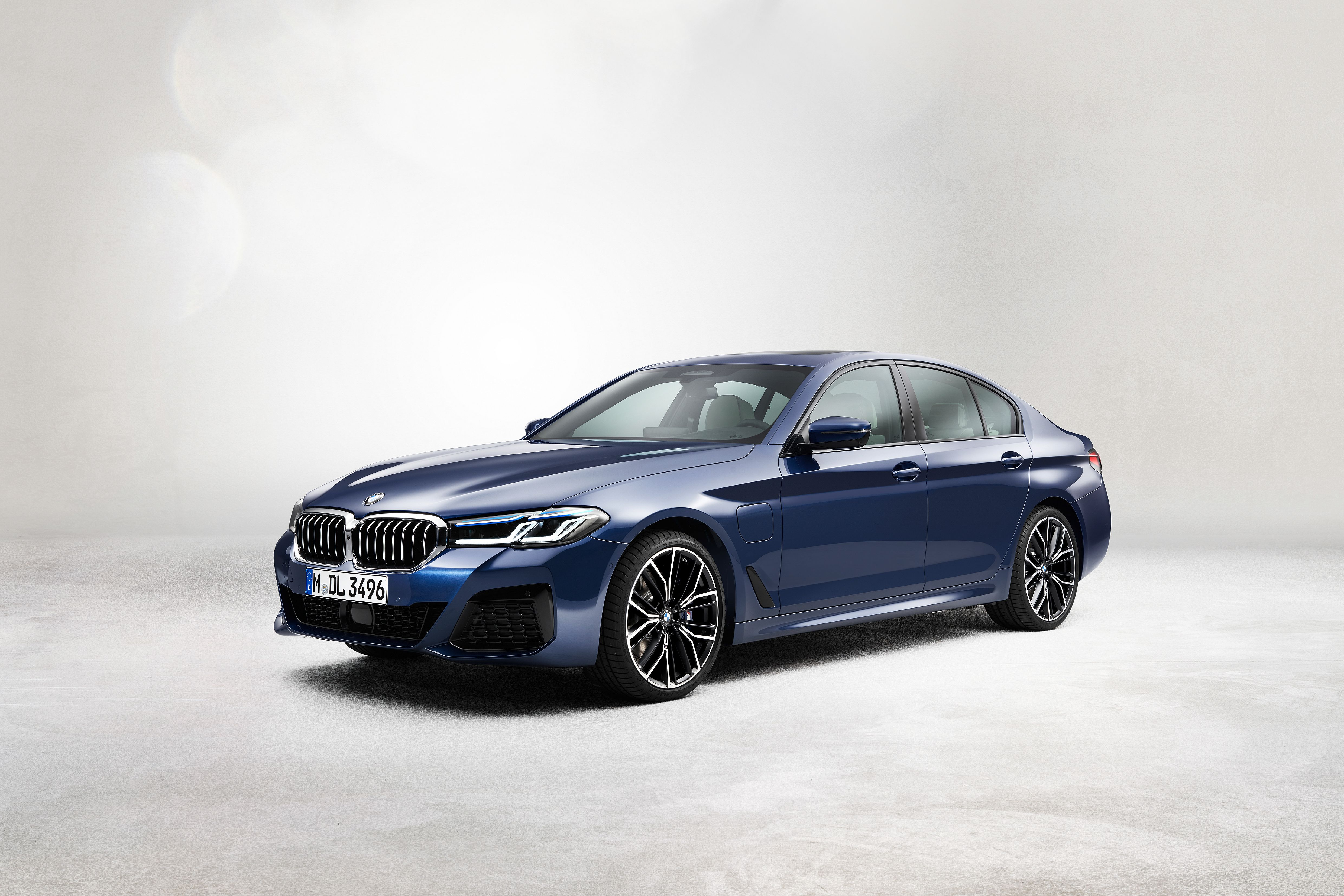 2021 Bmw 5 Series Gets New Tech And An Altered Look