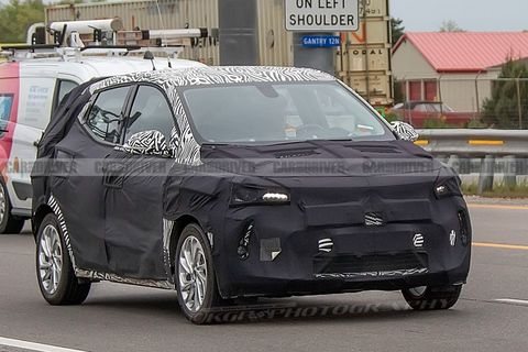 Chevy Bolt Release Date >> 2021 Chevrolet Bolt Euv Electric Crossover Spied
