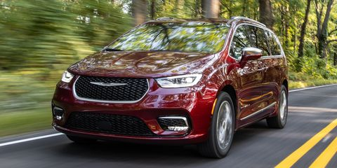 2021 chrysler pacifica awd front