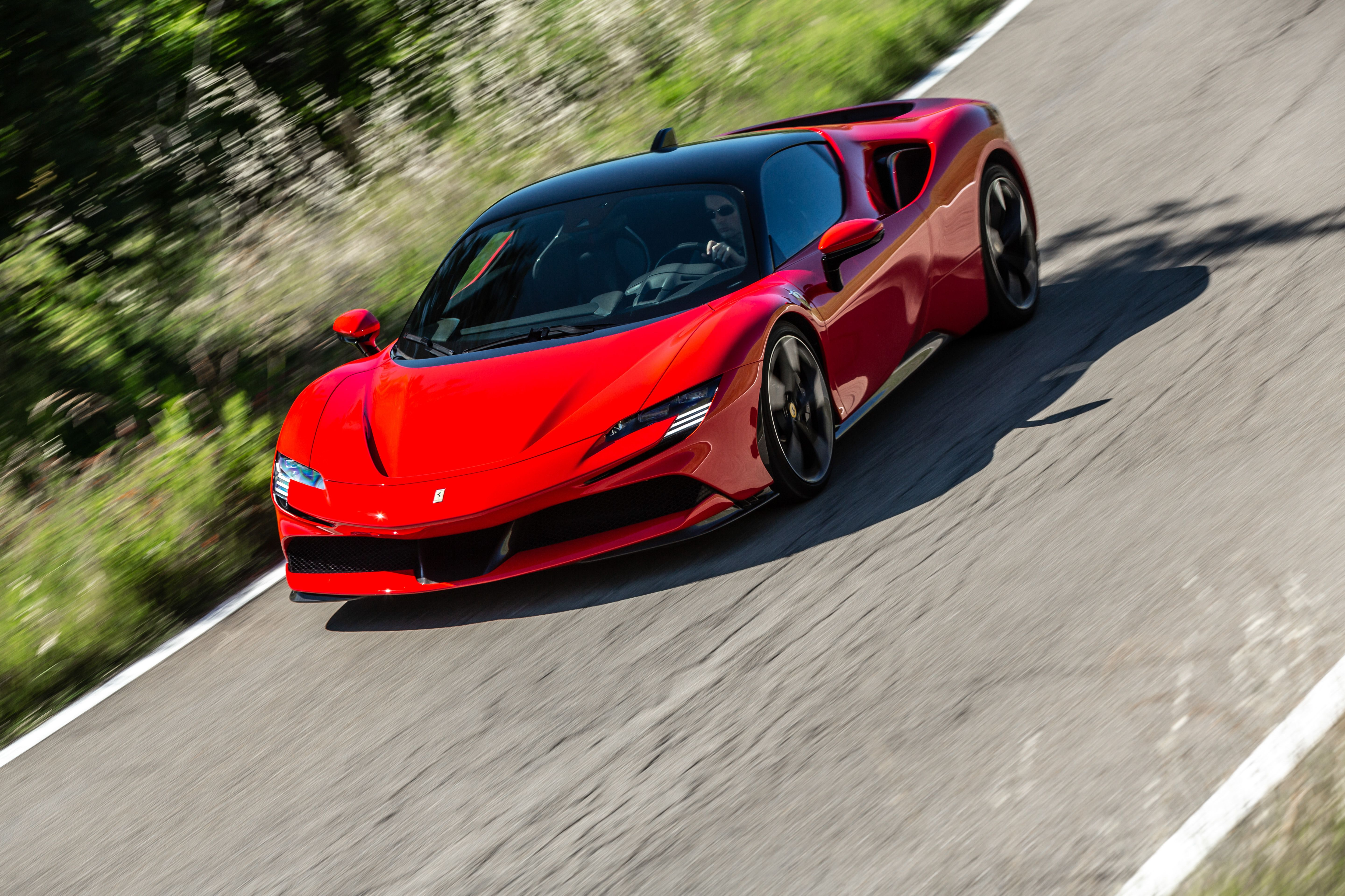 The 2021 Ferrari Sf90 Stradale Hypercar Goes From Silent To Violent