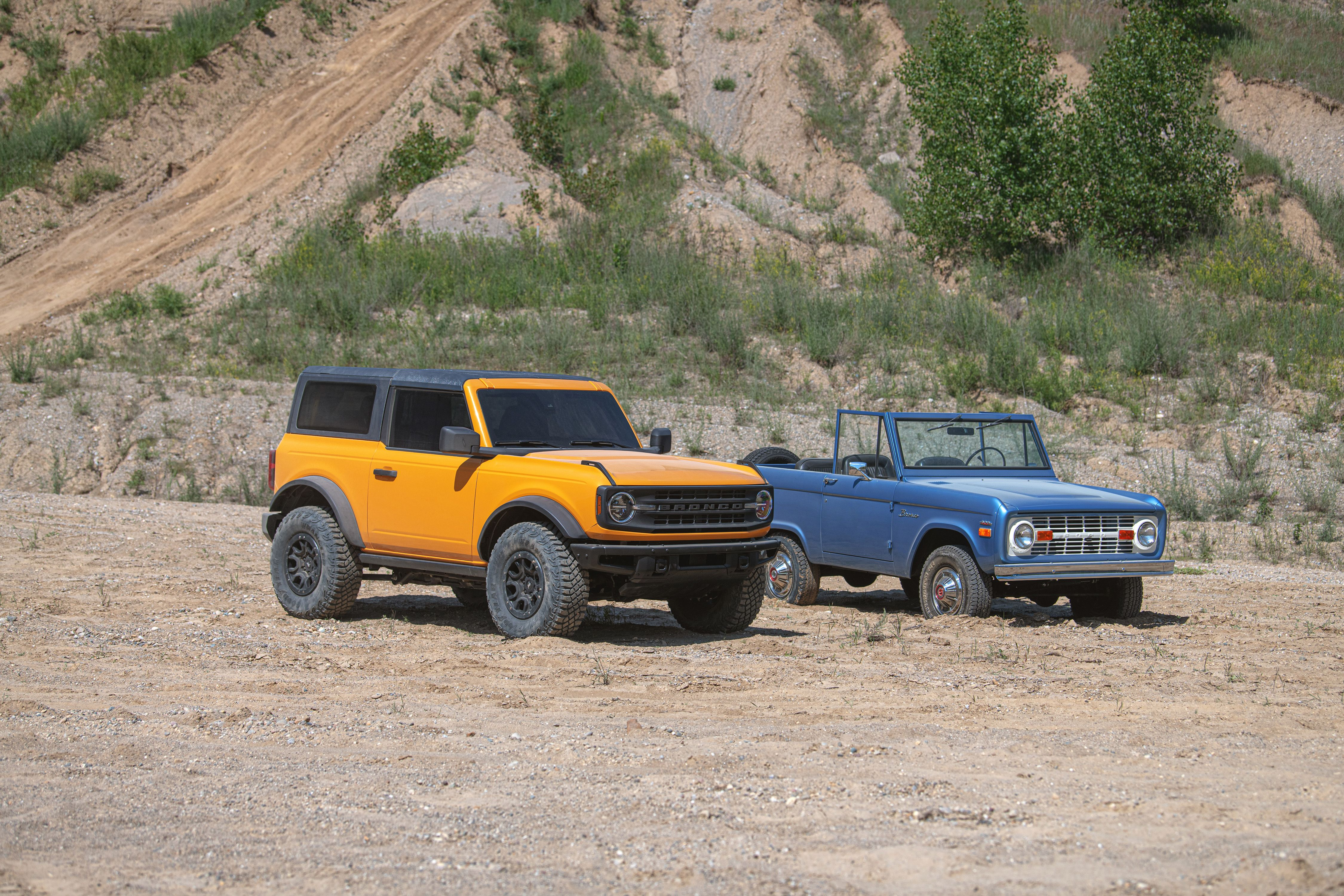 Here S How The 2021 Ford Bronco S Size Compares To Old Broncos