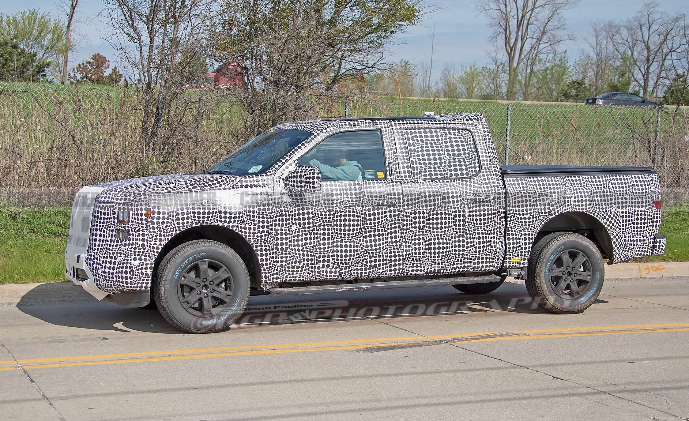 The 2021 ford f 150 spied testing looks pretty evolutionary