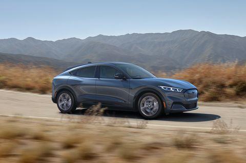 Land vehicle, Vehicle, Car, Automotive design, Mid-size car, Landscape, Crossover suv, Performance car, Sport utility vehicle, Compact car,