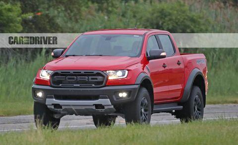 Land vehicle, Vehicle, Car, Motor vehicle, Tire, Automotive tire, Pickup truck, Bumper, Automotive exterior, Truck,