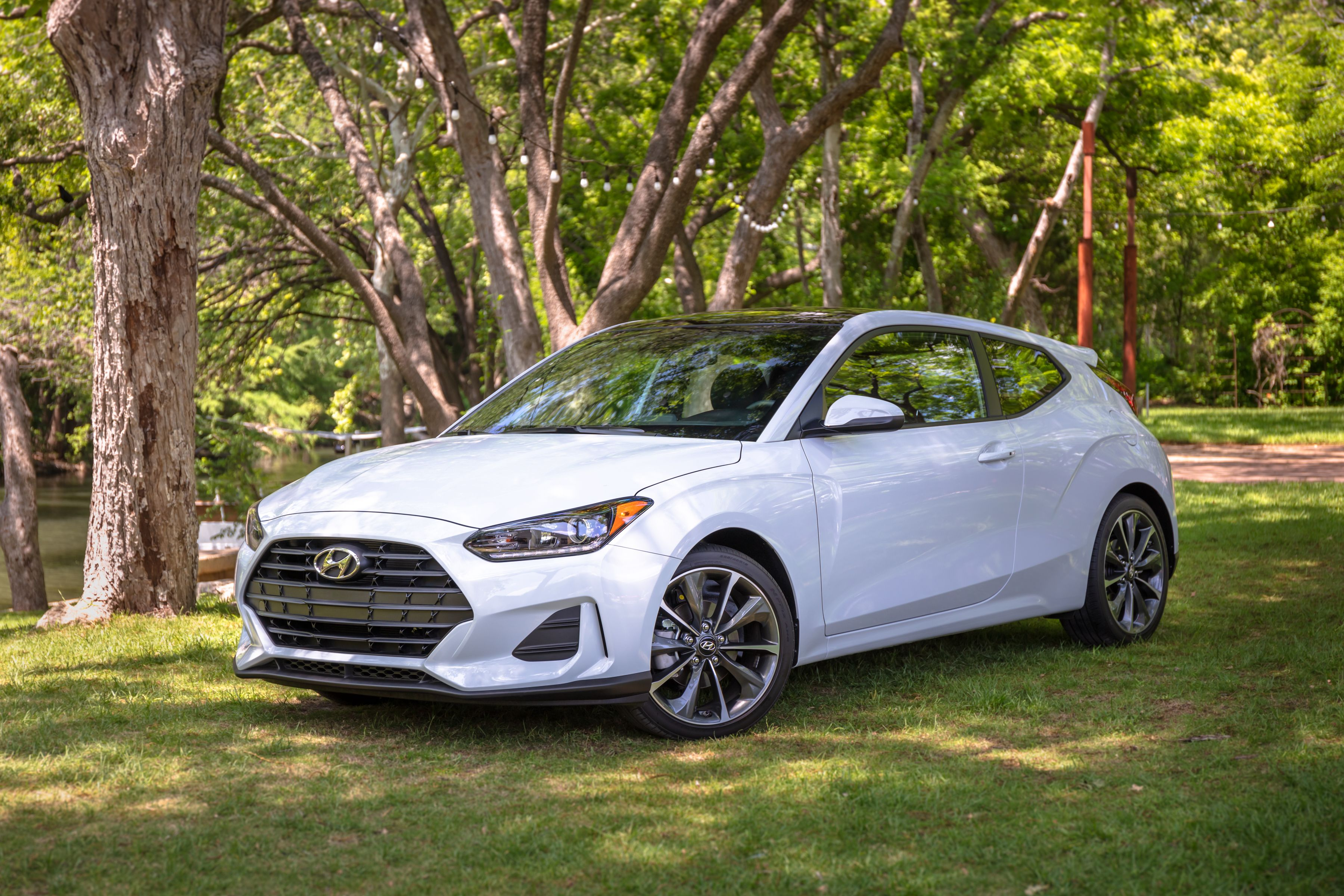 4 Hyundai Veloster Review, Pricing, and Specs