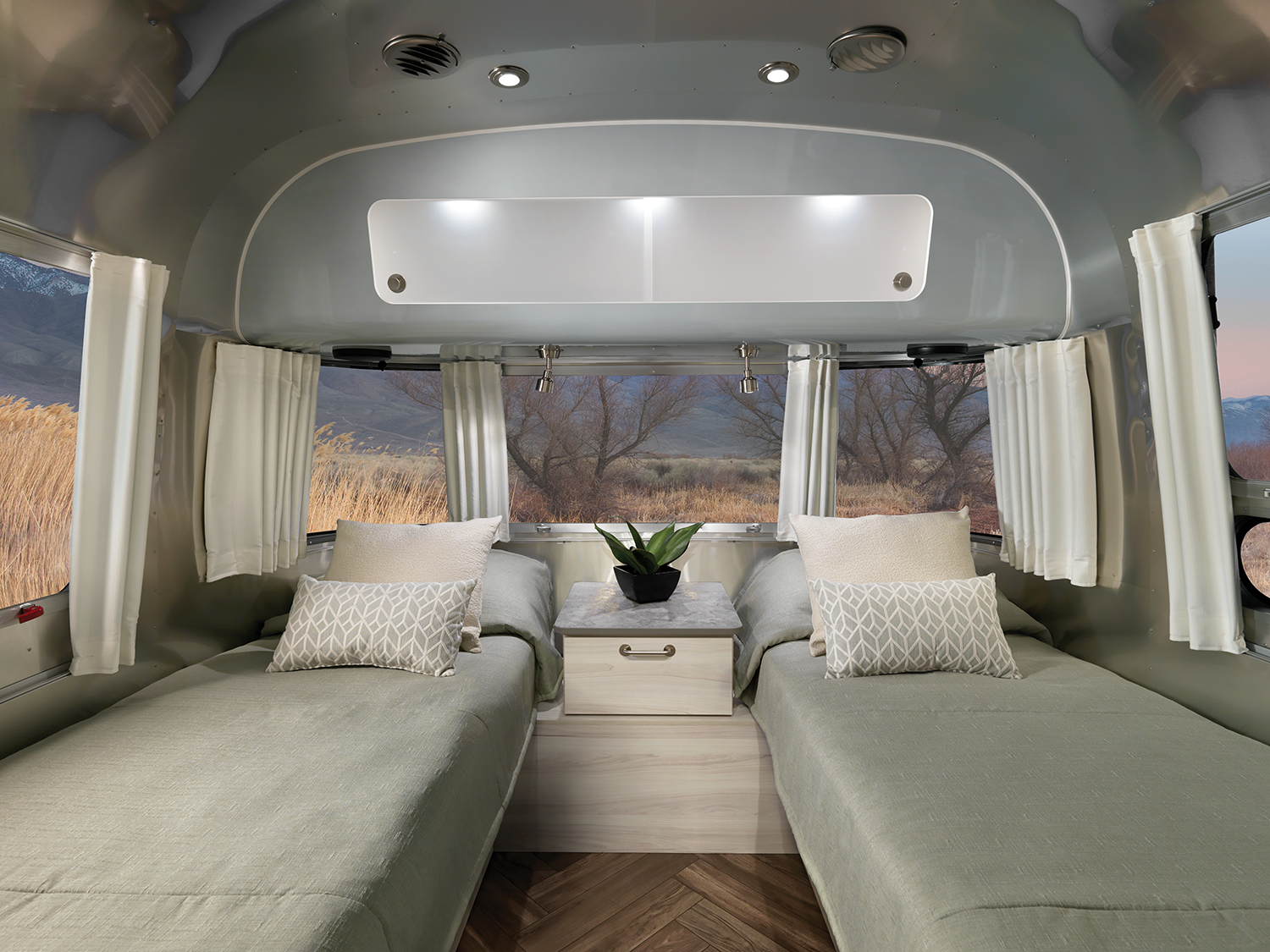 2021 Airstream Flying Cloud International Trailers Get Great New Interiors