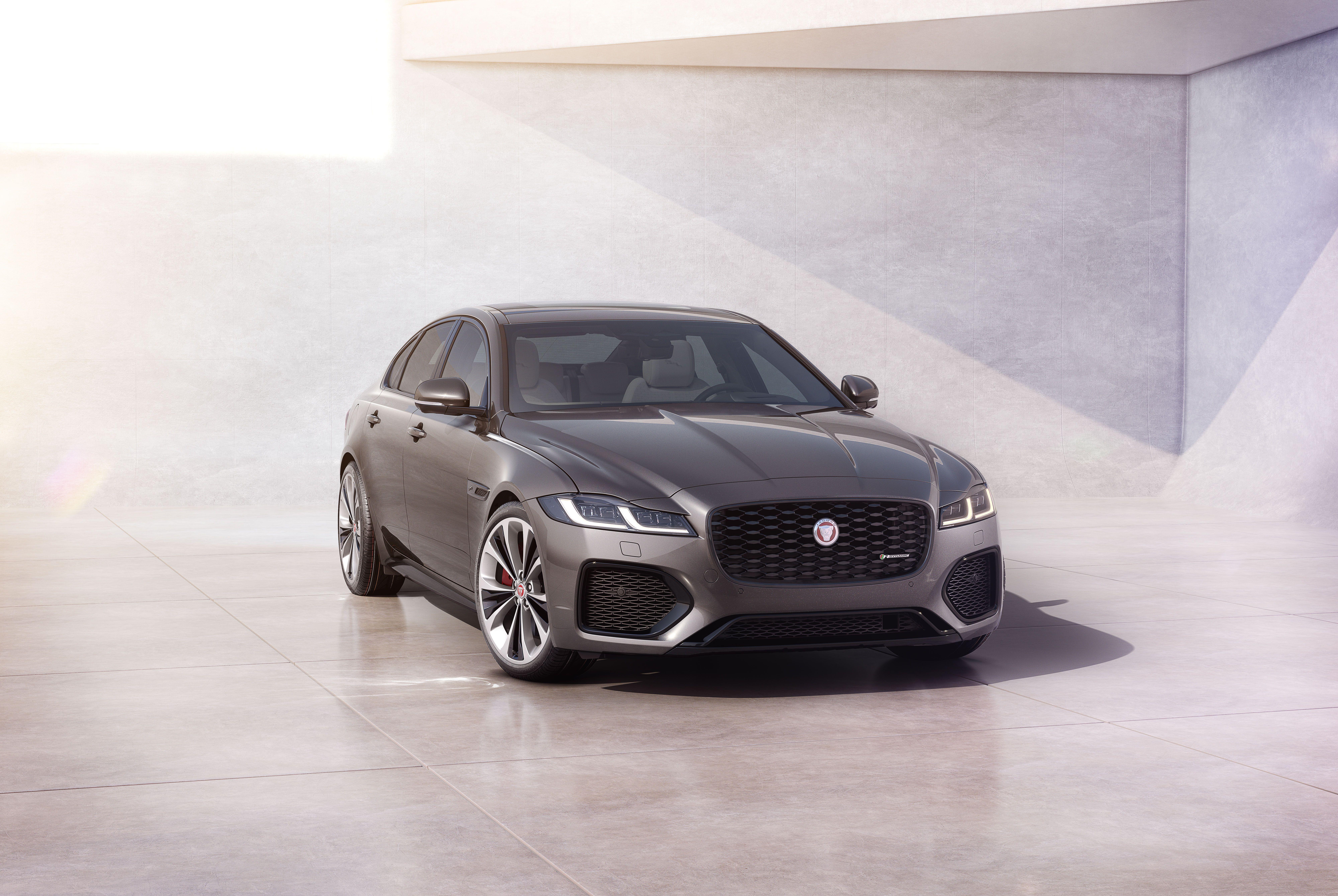 Set Car Shades compatible with Jaguar XE-Type 4 doors 2015