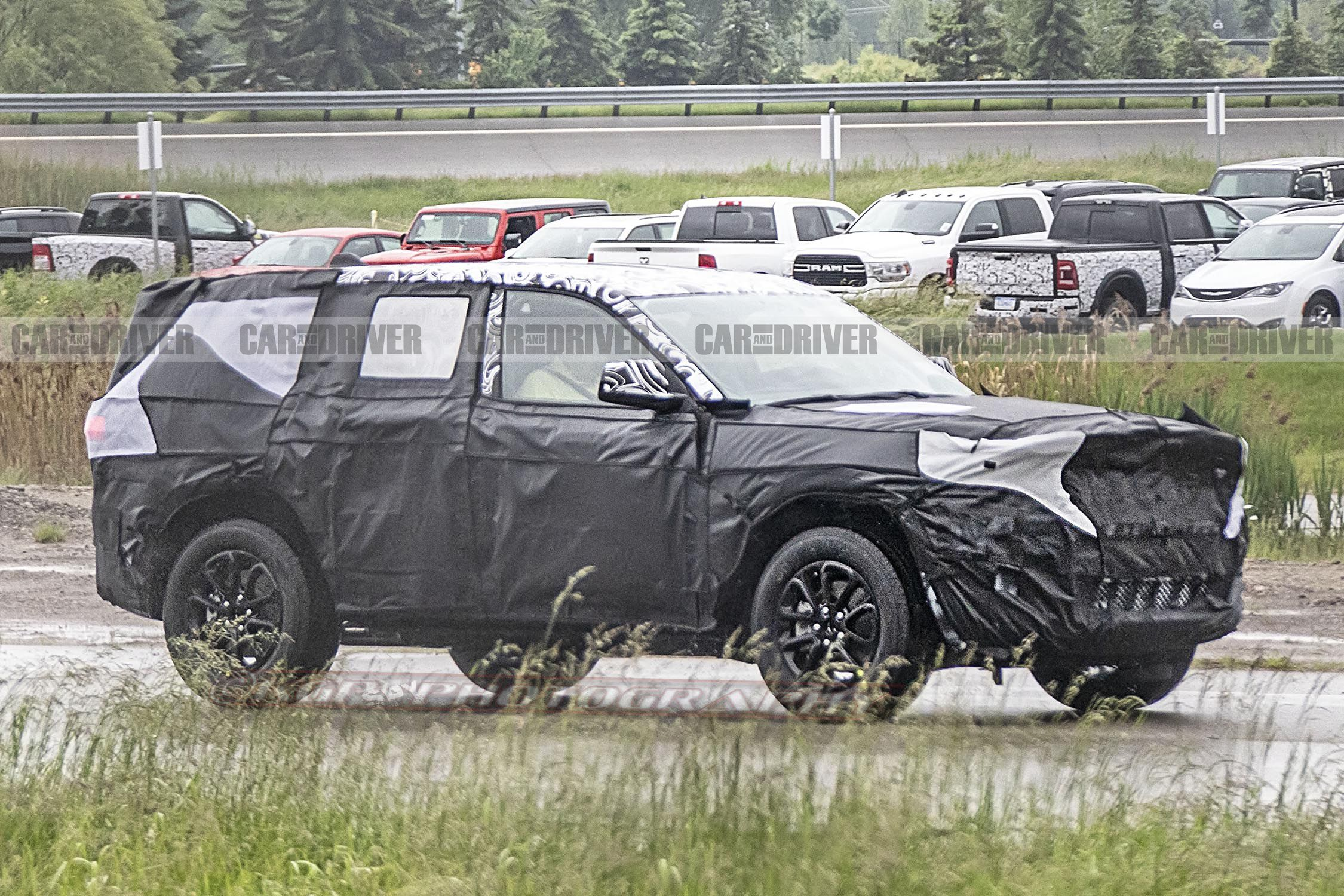 2021 Jeep Grand Cherokee Spied New Larger Suv