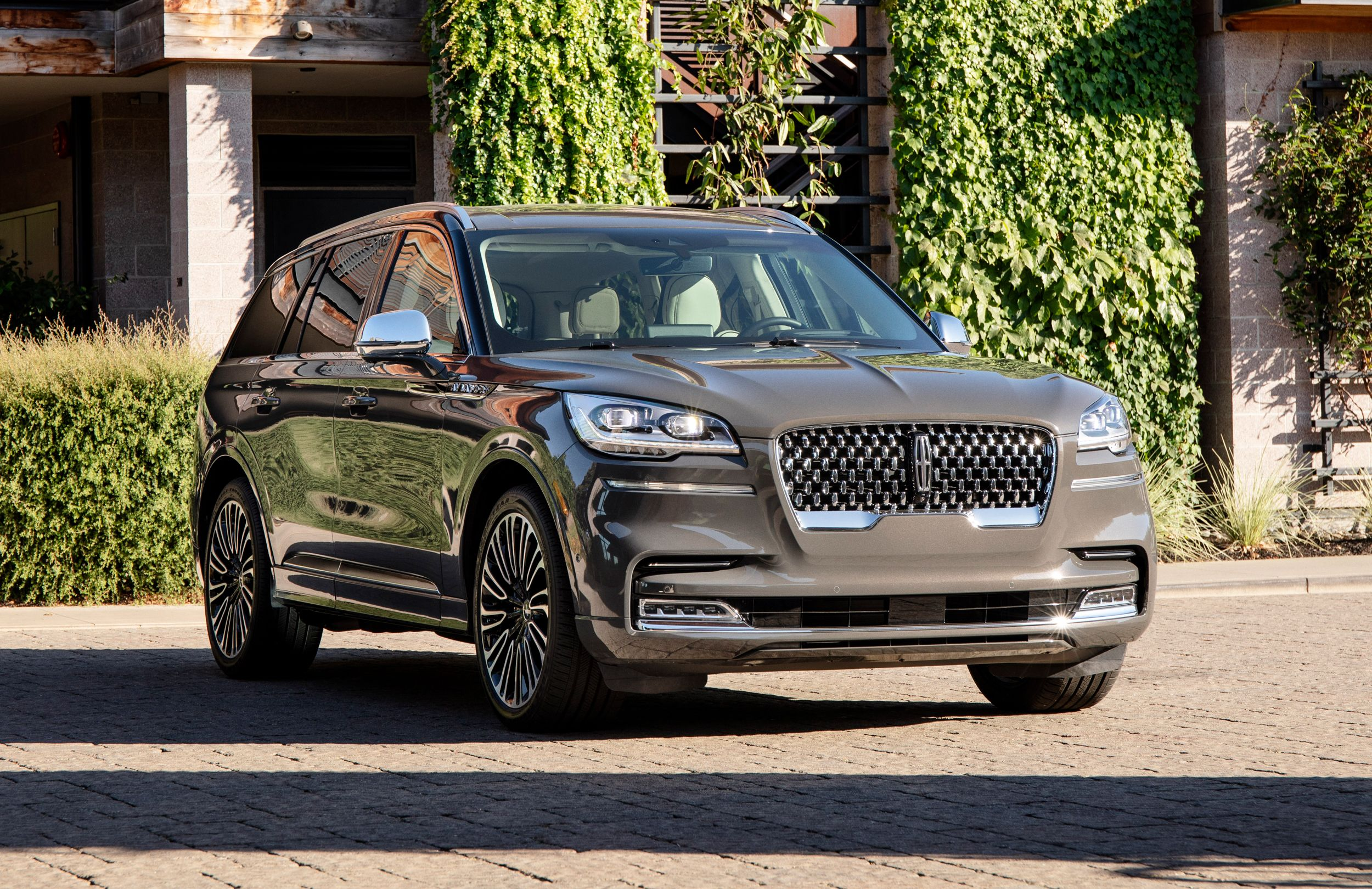 2021 Lincoln Aviator Review Pricing And Specs