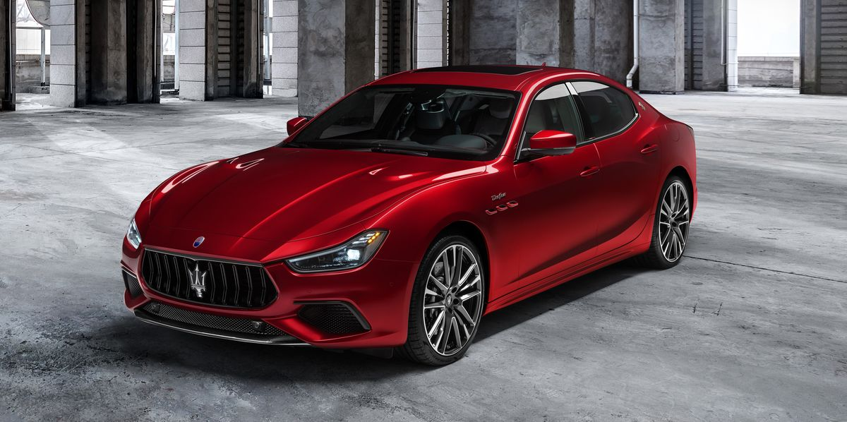 A Ferrari-bred twin-turbo V-8 adds a 580-hp punch to Maserati's new top-spec Ghibli sedan.