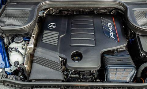 Land vehicle, Vehicle, Engine, Car, Auto part, Personal luxury car, Luxury vehicle, Hood, Automotive engine part, Bmw,