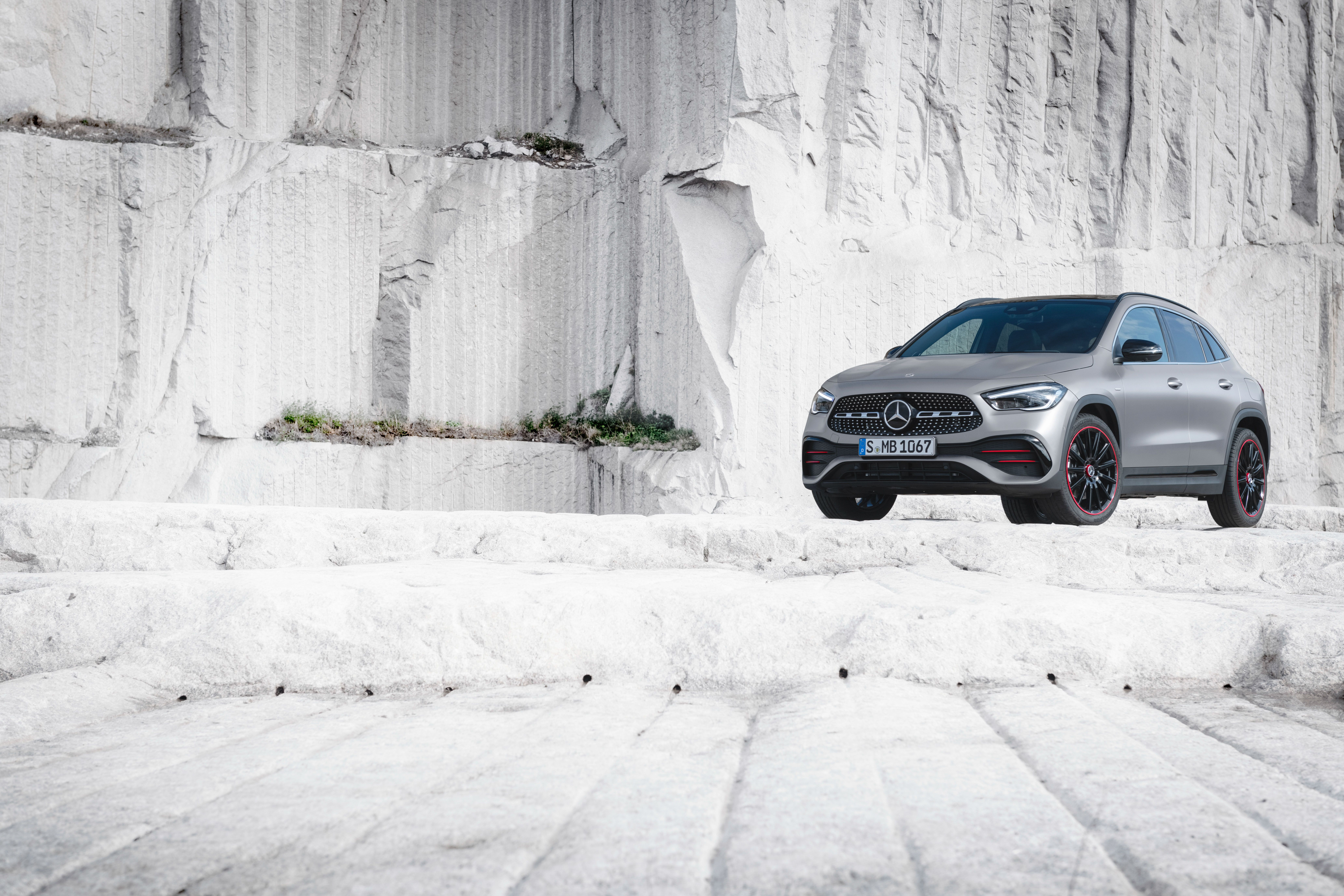 2021 Mercedes Benz Gla Class Review Pricing And Specs