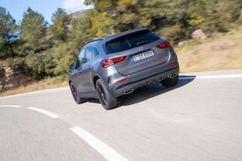 2021 Mercedes-Benz GLA250 (Euro-spec)