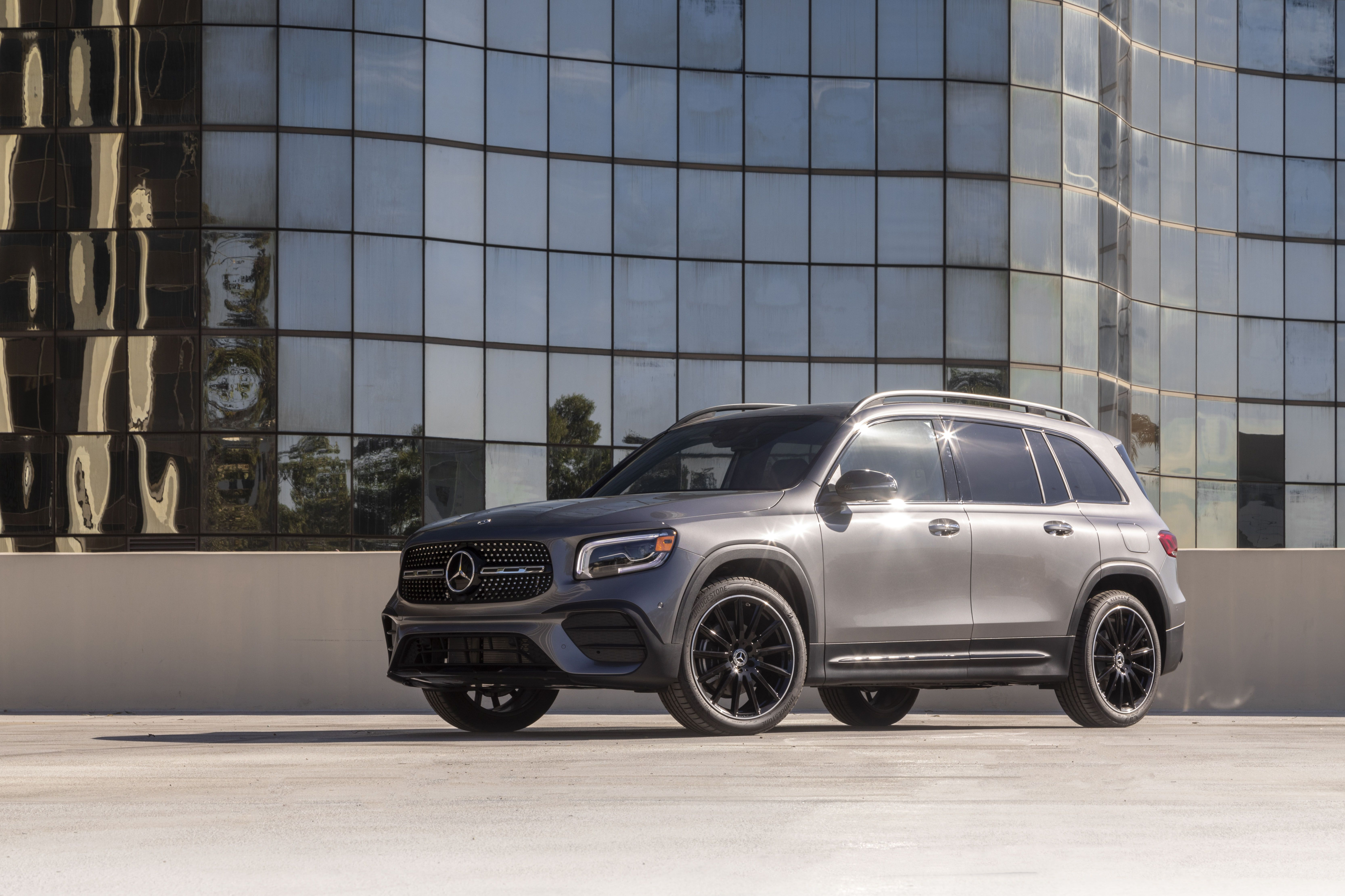2021 Mercedes Benz Glb Class Review Pricing And Specs