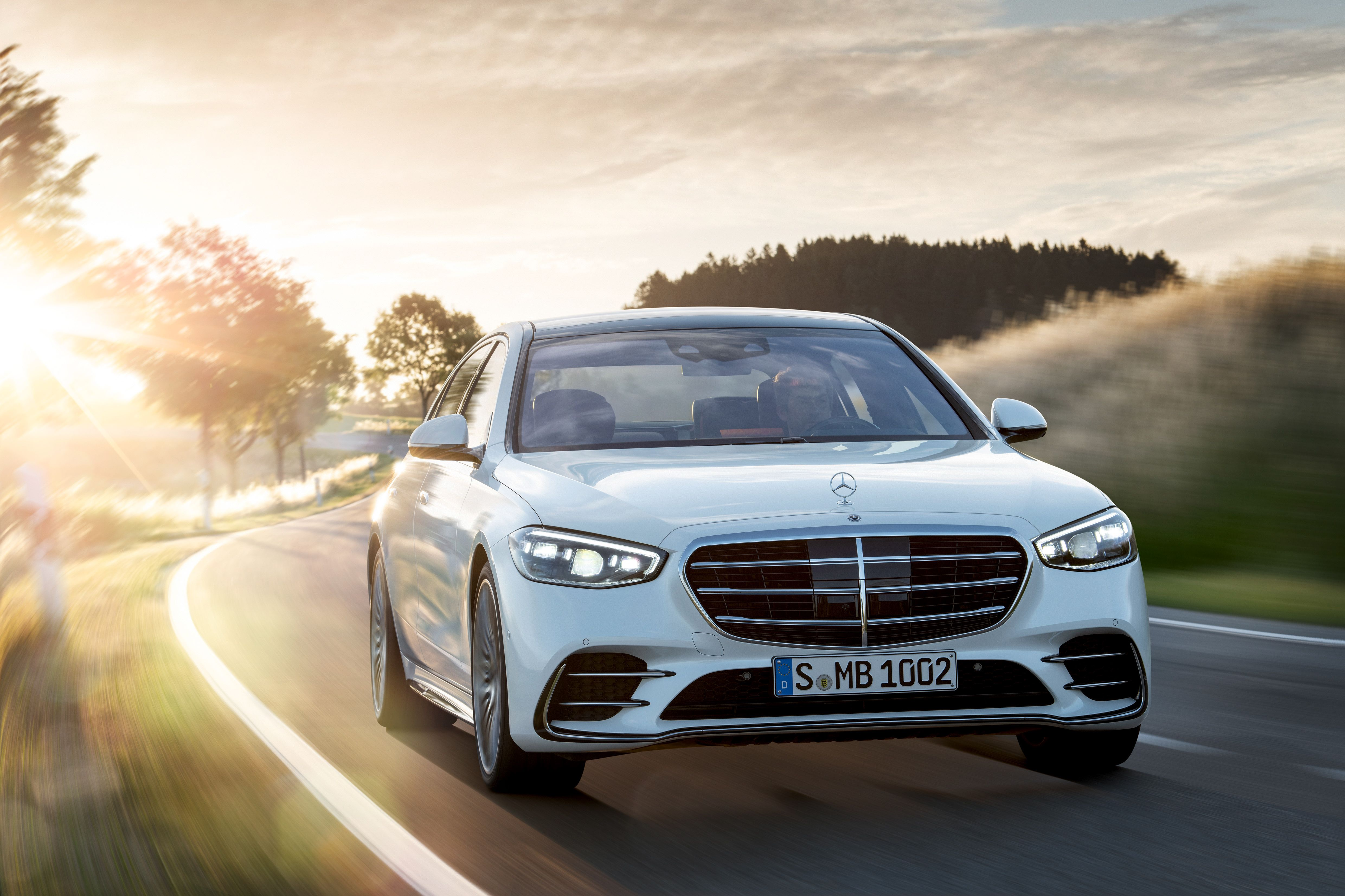 Analysis In The Age Of The Suv The Mercedes Benz S Class Abides