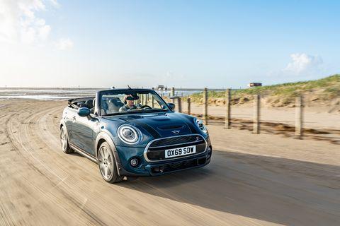 Land vehicle, Vehicle, Car, Mini, Regularity rally, Motor vehicle, Mini cooper, Automotive design, City car, Subcompact car,