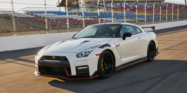 2021 Nissan Gt R Review Pricing And Specs