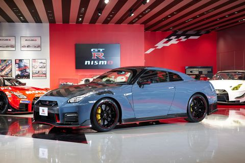 2021 nissan gtr nismo special edition front