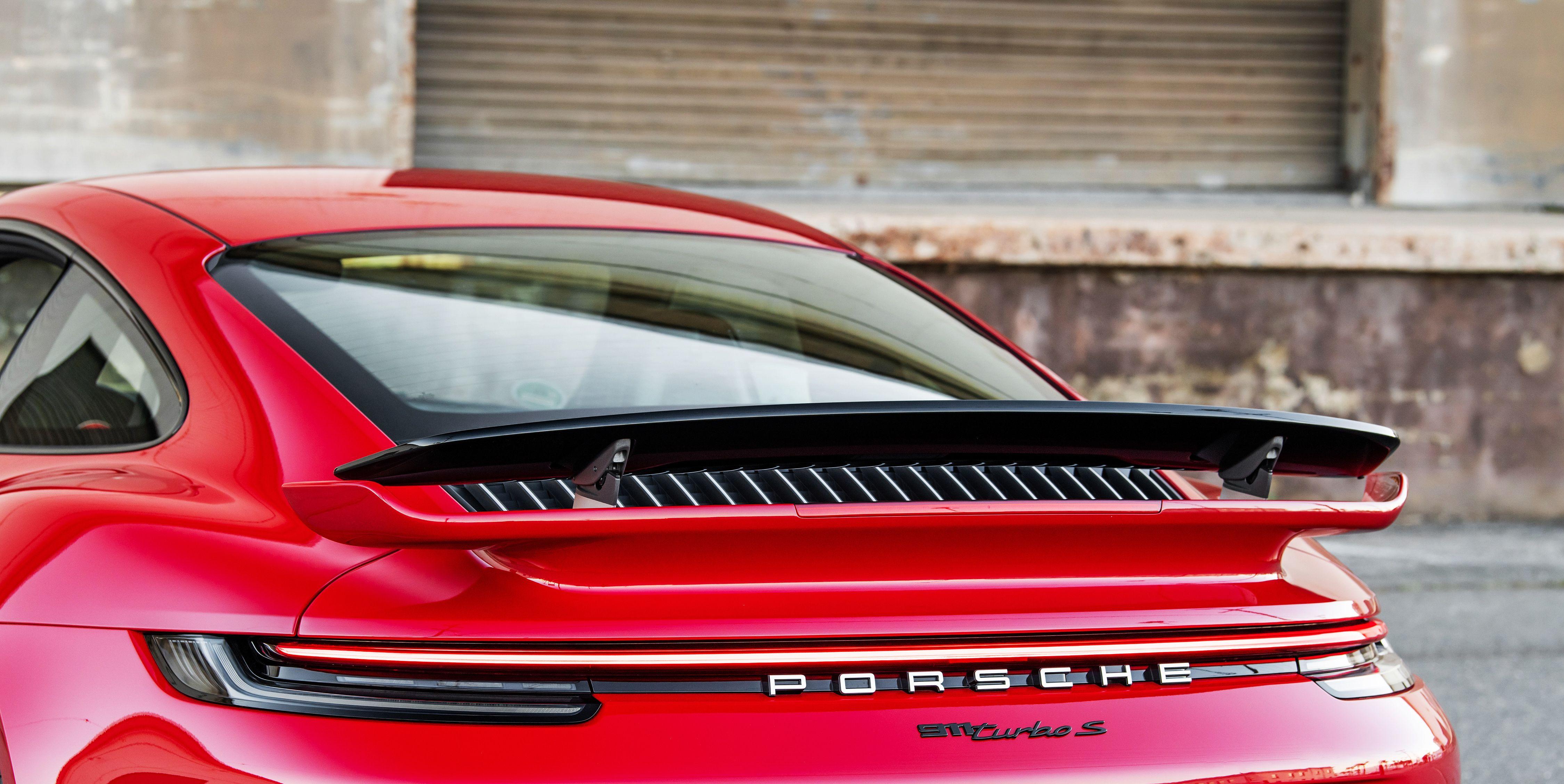 Porsche 911 Turbo S Has an Air-Brake Function in Its Adjustable Aerodynamics