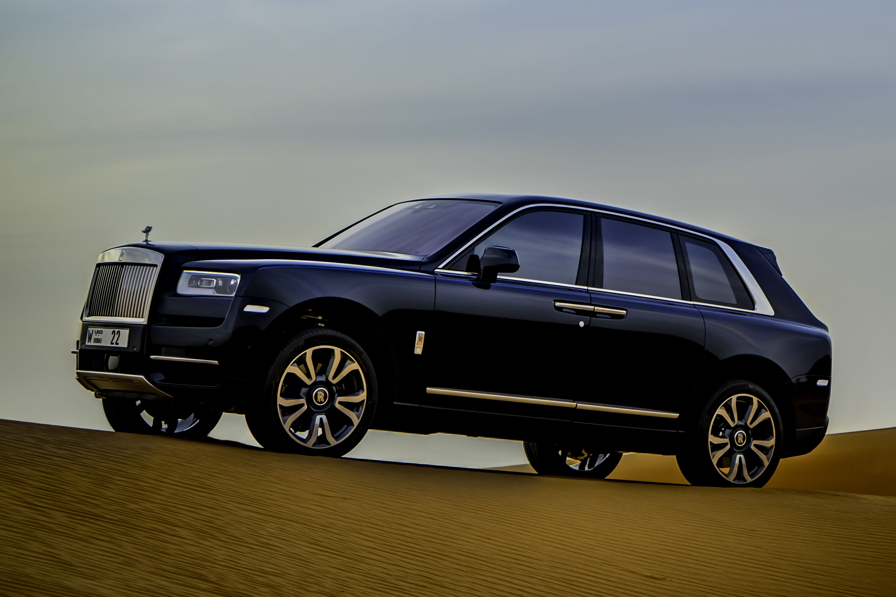 2021 Rolls Royce Cullinan Review Pricing And Specs
