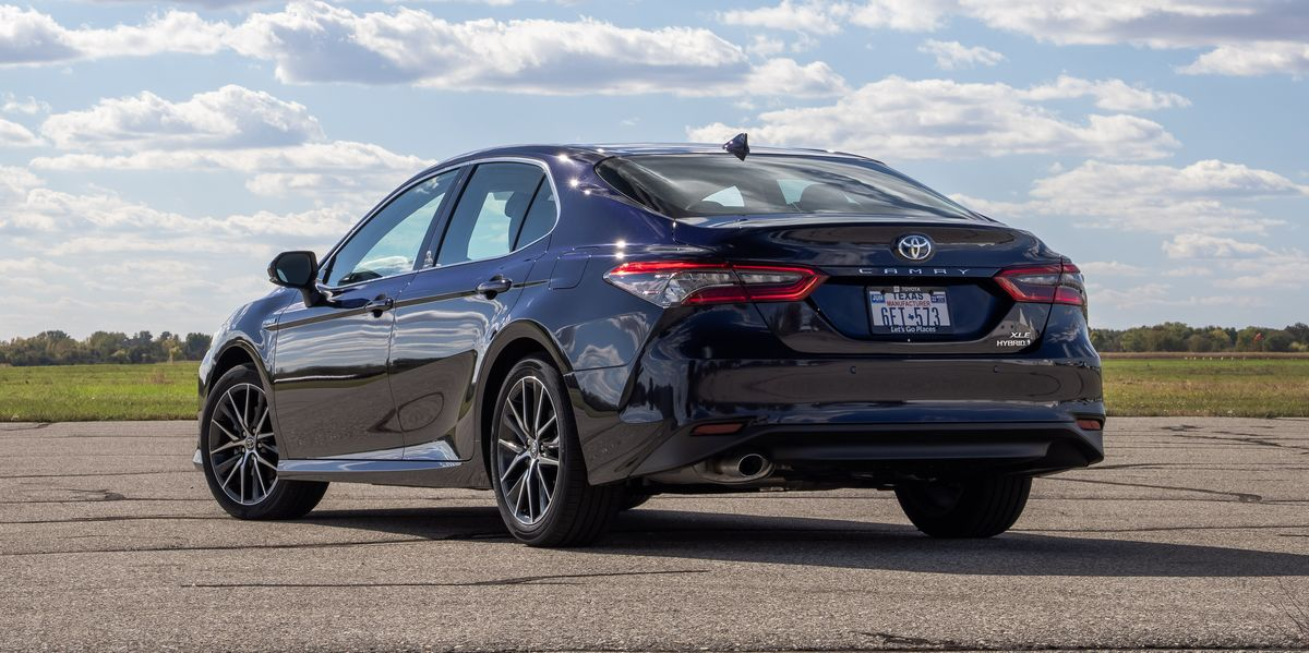 2021 Toyota Camry XLE Hybrid Fixes Some Minor Flaws