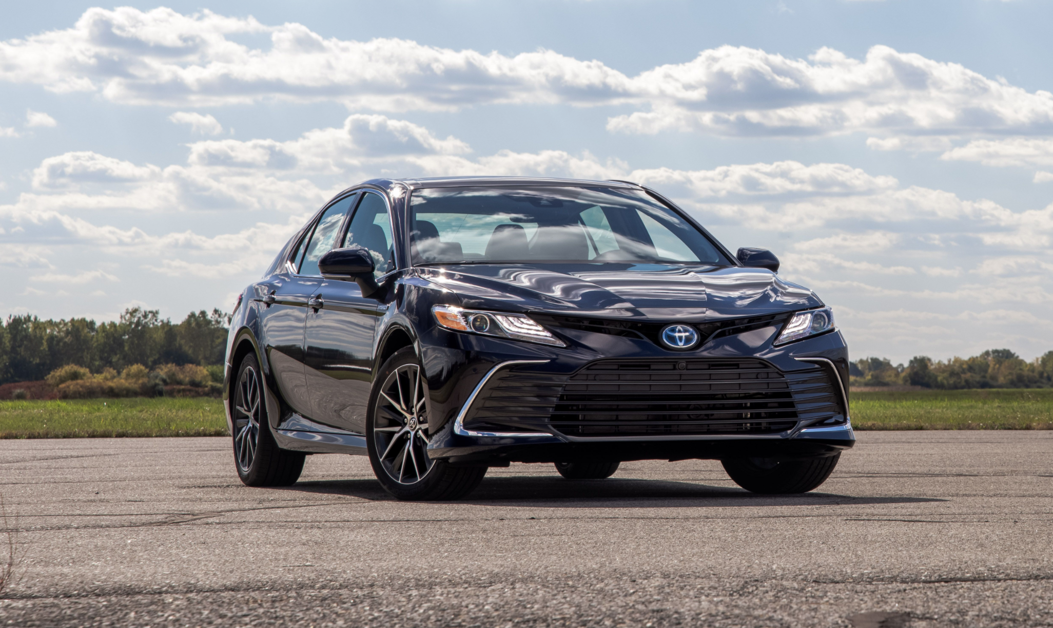 5 Toyota Camry Review, Pricing, and Specs