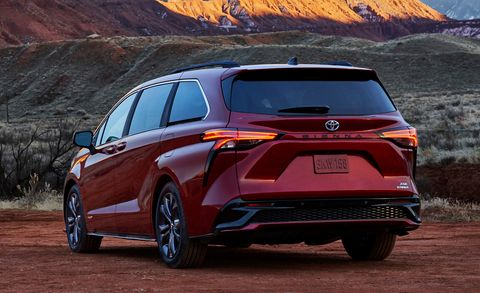 2021 Toyota Sienna Looks Wild and Comes Only as a Hybrid