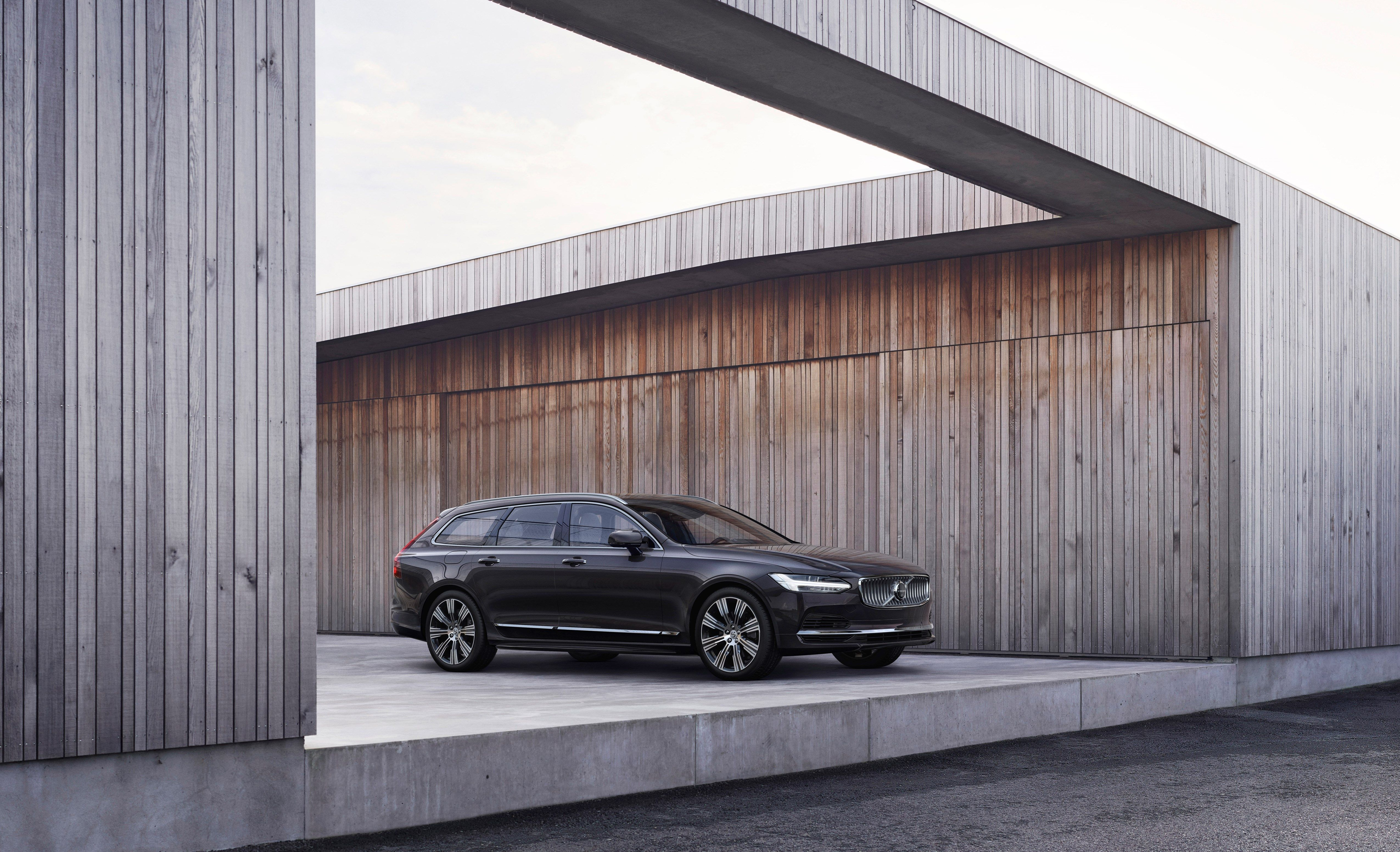 2021 Volvo V90 Review Pricing And Specs