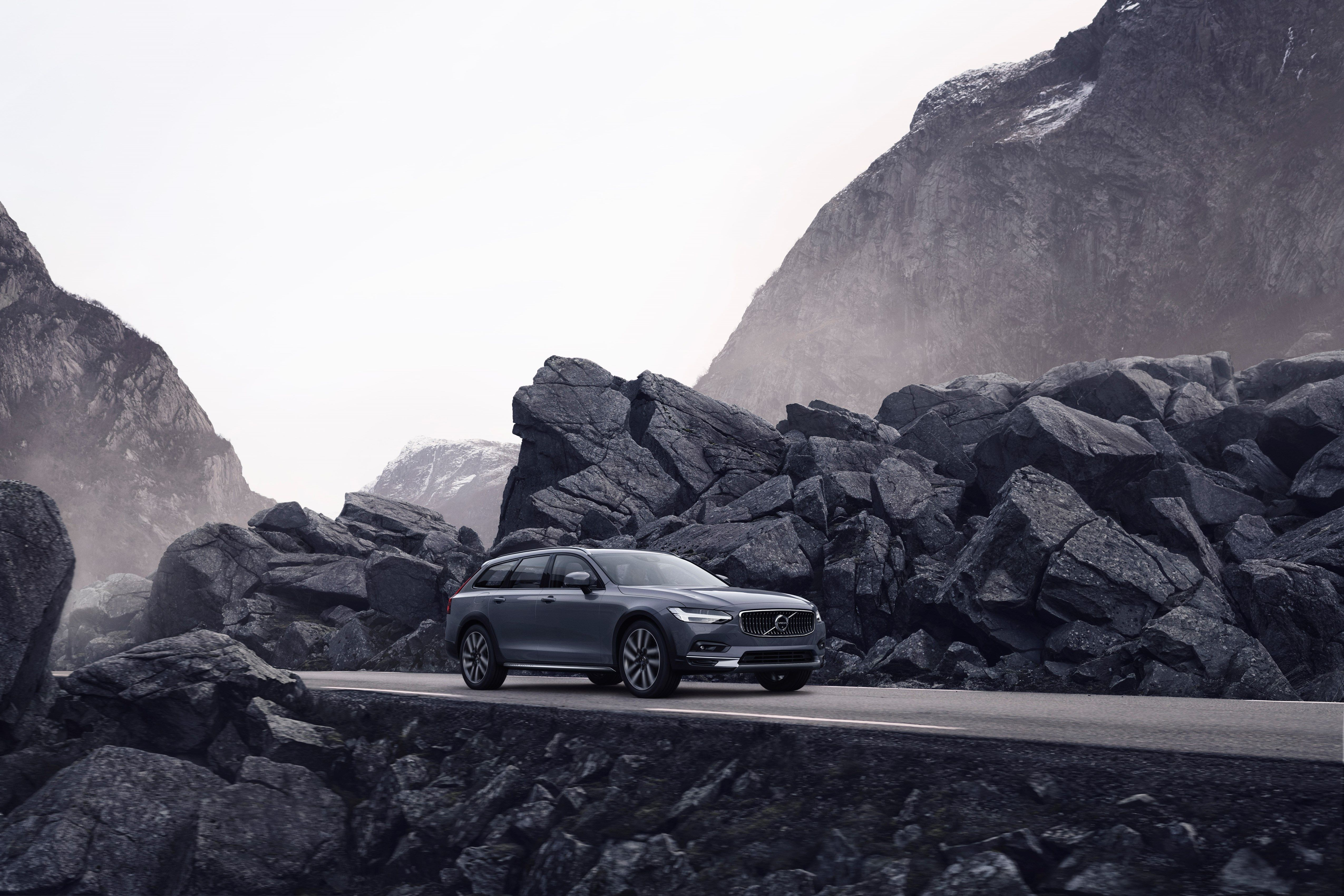 2021 Volvo V90 Specification Review and Release date