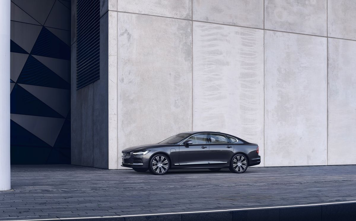 2021 Volvo S90 Review Pricing And Specs
