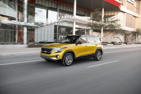 Land vehicle, Vehicle, Car, Motor vehicle, Automotive design, Yellow, Sport utility vehicle, Compact sport utility vehicle, Mini SUV, City car,