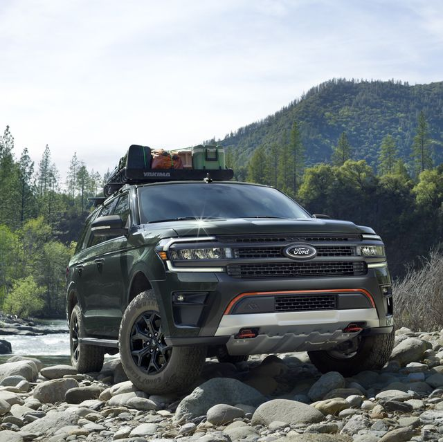 preproduction timberline model with available ford accessories shown available winter 2022 always consult the owner's manual when off road driving, know your terrain and trail difficulty, and use appropriate safety gear