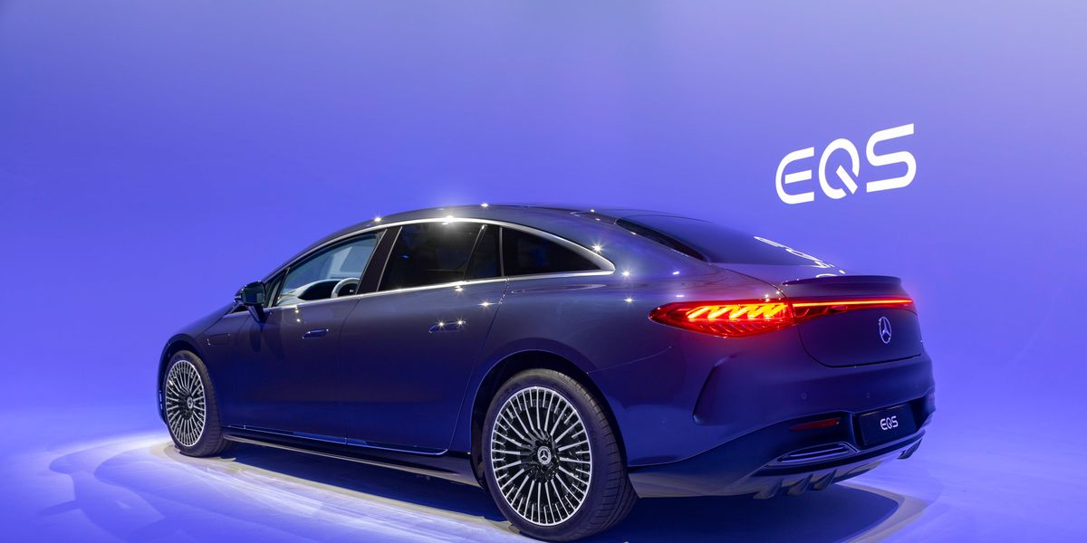 2022 Mercedes-Benz EQS Shaping Up to Be the S-Class of EVs