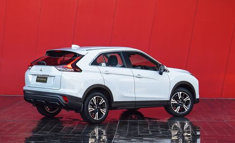 2022 mitsubishi eclipse cross rear