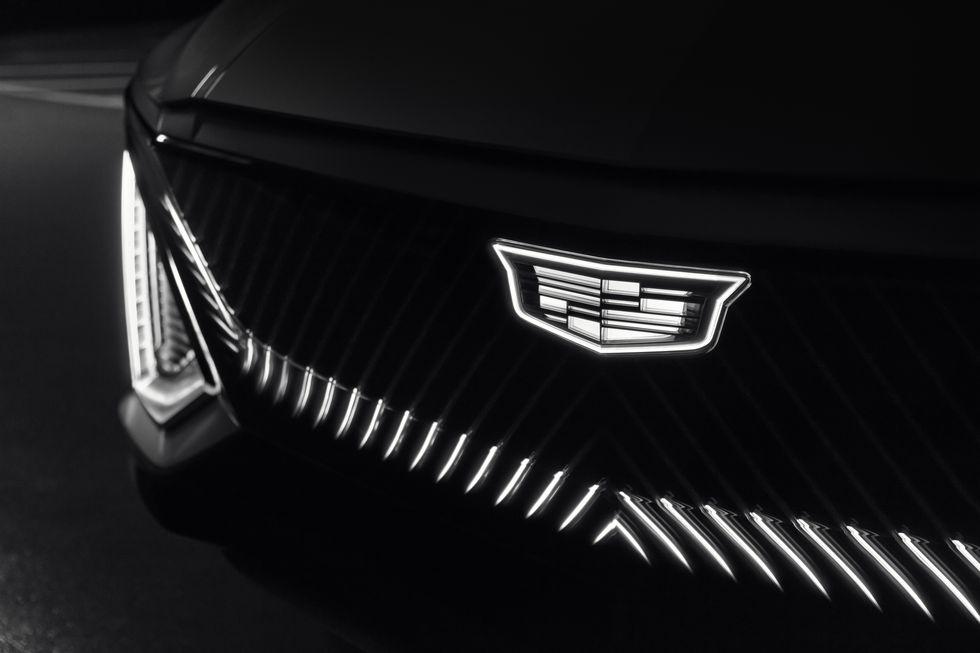 صور سيارة كاديلاك ليريك 2023 الكهربائية دات التصميم الفضائي 2023-cadillac-lyriq-105-1596744490